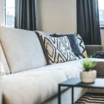 Couch im Wohlfühlbereich Apart Alban