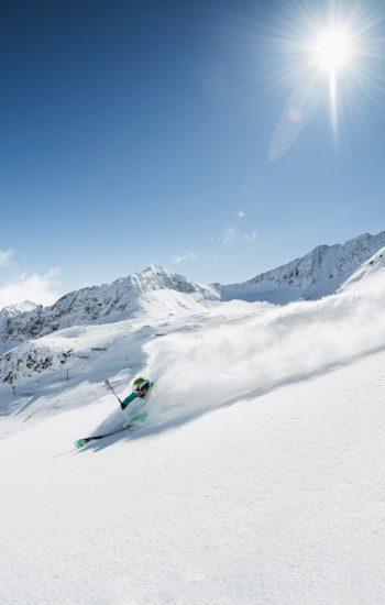 Tischschnee Stubaital, Skifahrer im Stubaital